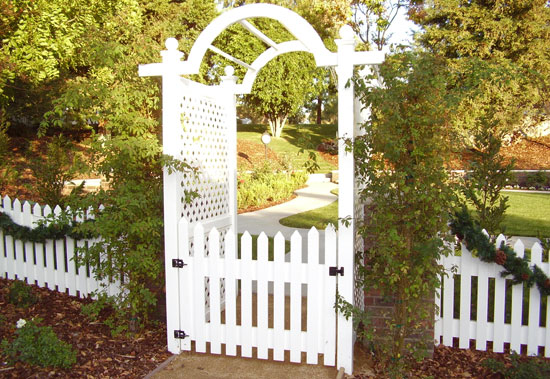 OC Picket Featured Gate